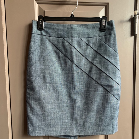 The Limited Dresses & Skirts - The Limited Chambray Seamed Pencil Skirt 0